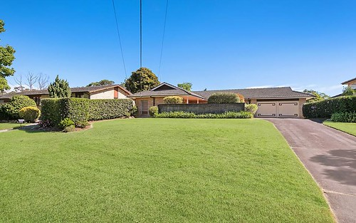 5 Coppins Cl, St Ives NSW 2075