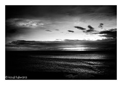 untitled (kouji fujiwara) Tags: blackandwhite blackwhite sea seascape sky skyscape evening twilight magichour magic hour goldenhour fujifilm fujifilmxpro2 xpro2 fujinon xf23mmf14 xf23mm f14 fineart fine art seaofjapan 日本海