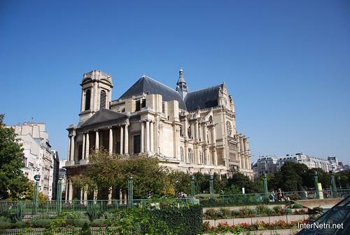 Париж Сент-Есташ InterNetri  France 071