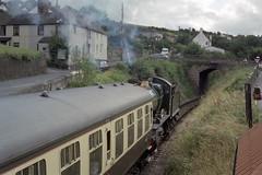Bradley Manor at Watchet Station, 19 Aug 1994 (Ian D Nolan) Tags: wsr railway 35mm epsonperfectionv750scanner station gwr 460z 7802 bradleymanor watchetstation