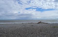 Eclipse de Mar (Tomás Hornos) Tags: waves olas mar sea beach arena playa horizonte nubes clouds cielo sky seascape paisaje marina