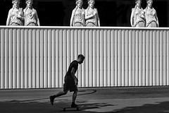 scater in front of an audience (heinzkren) Tags: sport scate mann man wien vienna parlament karyatiden figuren schwarzweis blackandwhite bw sw monochrome street streetphotography canon powershot lastenträgerinnen publikum audience zuseher