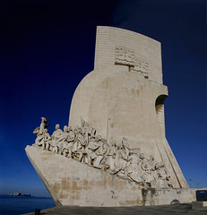 Monument of the Discoveries (█ Slices of Light █▀ ▀ ▀) Tags: monument discoveries stone sculpture statue figures henry navigator lisbon lisboa portugal canon 30d panorama stitched arcsoft maker