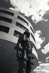 20180501-DSC4120 (A/D-Wandler) Tags: frankfurtammain frankfurt hessen deutschland osthafen gewerbe industrie gewerbegebiet industriegebiet schwarzweis bw blackandwhite monochrom einfarbig architektur gebäude fassade fenster himmel wolken dramatisch dramaticsky eisenmann fraczkiewicz zbigniewfraczkiewicz ufo