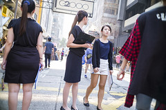 strert style (人間觀察) Tags: leica m240p leicam leicamp f20 f2 hong kong street photography people candid city stranger mp m240 public space walking off finder road travelling trip travel 人 陌生人 街拍 asia girls girl woman 香港 wide open ms optics apoqualiag 28mm apoqualia optical sunday