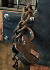 Lock and Chain (arbyreed) Tags: arbyreed chain metal steel secure lockandchain legends legendsmotorcycleemporium sidecarcafe motorcycles vintagemotorcycles indianmotorcycles