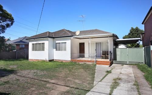 4 Thorney Rd, Fairfield West NSW 2165