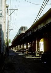 Milwaukee L alley scene 1996 (jsmatlak) Tags: chicago cta l elevated subway metro train rapid transit