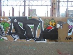 067 (en-ri) Tags: fnx fenix geos gelo crew nero verde parco dora kattivik torino wall muro graffiti writing