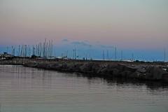 Cielo e mare (Meteoraaaa) Tags: salerno mare lungomare sera pace acqua cielo tramonto