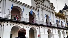 Libertad - Freedom (Raúl Alejandro Rodríguez) Tags: cabildo soldados soldiers regimiento de patricios regiment plaza mayo banderas flags buenos aires argentina