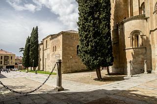 Catedral Vieja de Salamanca, ábsides y capillas del claustro