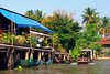 По каналам на лодке (vikkay) Tags: бангкок тайланд река лодка вода пальмы деревня