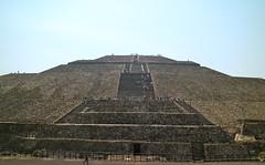 Pirámide del Sol (Erik Cleves Kristensen) Tags: mexico teotihuacan mexicodf