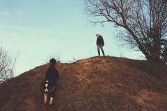 in den tagen kramen. (sommerpfuetze) Tags: childhood dog nature broock spring boy hund freiland kinderwelt sky blue tree brown hügel mv mecklenburgvorpommern tollensetal