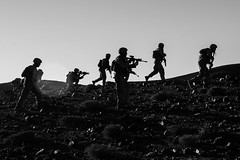 180424-M-NZ408-939 (U.S. Department of Defense Current Photos) Tags: uscentcom navcent marcent 26thmeu navalintegration tf515 navalamphibiousforce taskforce51 5thmarineexpeditionarybrigade usnavy usmarinecorps sailors marines marineexpeditionaryunit oakhill machineguns 240b silhouette mortars jordan jo