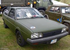 VW Passat B2 [Typ 321] (TIMRAAB227) Tags: vw passat volkswagen typ32 typ321 b2 passatb2 1984 bundeswehr flugabwehrraketenbataillon33 germanairforce hatchback nrwtag2016 düsseldorf mpkw