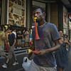 Vuvuzela (Julio López Saguar) Tags: aprobado juliolópezsaguar gente people ciudad city urban urbano calle street madrid españa spain hombre man vuvuzela