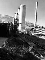 Tiempo (allozano2002) Tags: negro y blanco wite and black cementera industria del pasado flickr aventura foto pamorama