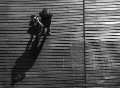 De nadir a cenital #InspiraciónBdF57 (rfabregat) Tags: barcelona selfie espejo mirror couple bw blackandwhite sombra shadow nikon nikond750 d750 nikkor inspiraciónbdf57