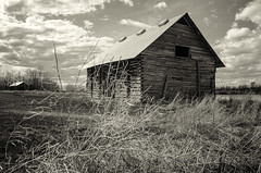 A New Roof (L E Dye) Tags: victoriatrail 2018 alberta bw canada d5100 ledye nikon spring abandoned prairie rural