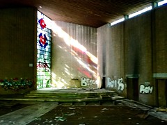 former church (falkmo) Tags: ruhrpott ruhrgebiet duisburg dunkel dark window fenster glas glass verlassen abandoned lostplace alt old kirche church