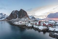 Hamnoy Rorbuer (Jose Feito - www.atravesdelprisma.com) Tags: lofoten noruega viaje rorbuer paisaje casa casas rojas mar montaña cielo agua pescadores nieve invierno hielo hamnoy