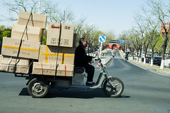 The driver (Luz Del Mar Silva) Tags: man boxes box driver beijin china pekin