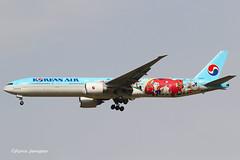 HL8250 HL8250 Korean Air Lines Boeing 777-3B5(ER) (Aviation and more) Tags: hl8250 korean boeing b777 madrid 2018 specialcolorsheme special spotter planespotting planespotter airplane avgeek avg