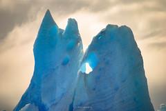 Bailando hasta cambiar la piel (.KiLTRo.) Tags: torresdepaine regióndemagallanesydelaan chile regióndemagallanesydelaantárticachilena cl kiltro torresdelpaine nationalpark magallanes patagonia nature naturaleza ice hielo iceberg blue glacier glaciar grey