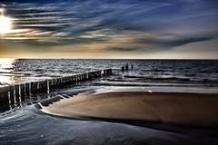 Buhnen im Abendlicht (Frank-Martens) Tags: buhnen ostsee wolken himmel meer balticsea sky clouds sea