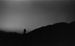 風速20m、夜明け前 (peroparo) Tags: m6 elmar film trix d76 hike 自家現像 snap mountain