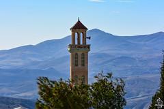 Minaret d'une mosquée faisant face au Djebel Morissane (1471 m.) (Ath Salem) Tags: algérie algeria argelia nikond5200 africa afrique afriquedunord northafrica maghreb bordjzemoura bordjzemmoura bordjzamoura zemoura zemmoura zamoura bordjbouarreridj برجبوعريريج tourism discoveralgeria برجزمورة الجزائر minaret minarete mosquée mosque mezquita مسجد مئذنة montmorissane djebelmorissane morissan morissane montagne mountain massifdesbibans bibans