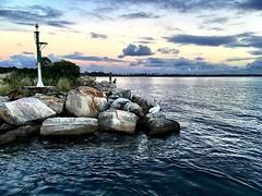 097/365 • Iluka - heading into the river - pelican gave us the nod • . #light #boatlife #sunset #iluka #abcmyphoto #bellalunaboat #cruising #nswcoast #Autumn2018 #eastcoastaustralia #liveaboard #australia #visitnsw #clarenceriver (miaow) Tags: ifttt instagram