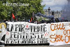 Manifestation à Paris du 1er mai 2018 - 01.05.2018 - Paris (FR) - IMG_3056 (PM Cheung) Tags: loitravail manifestationàparisdu1ermai paris 1mai frankreich proteste mobilisationénorme cgt sncf demonstration manifestationàparisdu1ermai2018 blockaden 2018 demo mengcheungpo gewerkschaftsprotest zad zonéadéfèndre nantes tränengas arbeitsmarktreform nuitdebout pmcheung polizei wasserwerfer crsfacebookcompmcheungphotography polizeipräfektur krawalle ausschreitungen auseinandersetzungen compagniesrépublicainesdesécurite police 1mai2018 01052018 manif manifestation démosphère solidaritéinternationalejusticesocialepaix labac emmanuelmacron larépubliqueenmarche manif1mai fo fsu solidaires unef république1ermai 1ermaiparis nonamarcron 1ermai2018