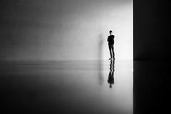 2351 (explored) (.niraw) Tags: köln kolumbamuseum leer leere kunst strasenfotografie bw niraw kontrast hell dunkel silhouette mann blick blickkontakt