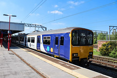 Northern 150124 (Mike McNiven) Tags: northern arriva railnorth sprinter manchester piccadilly stockport chester clc altrincham