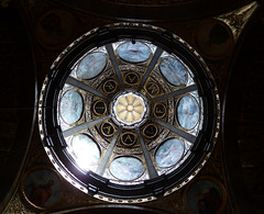 Ave María (II) (poljacek (+ 2M visits, Thanks so much!)) Tags: lluc mallorca santuario interior dom up cúpula