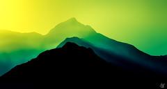 4t D4wn (M4x G4x) Tags: mountain montagne mont silhouette flou brume alpes bionnassay contrast contraste green vert ambiance ambient altitude paysage landscape