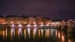 Les jardins du Pont Neuf (karinavera) Tags: city longexposure night photography cityscape urban ilcea7m2 seine architecture elegance pontneuf france boat bridge paris