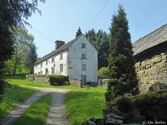 Glyndwr's Way 016 (Row 17) Tags: wales powys nationaltrail lumix panasonic track farmhouse architecture hillside