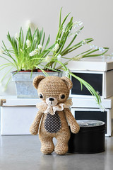 Treasure the Teddy (lilleliis) Tags: amigurumi crochet toys dolls handmade wool yarn softies plush kawaii cute lilleliis diy teddy bear brown