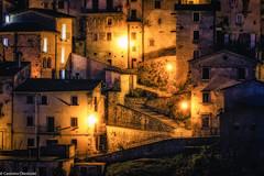 Luci di Scanno (SDB79) Tags: scanno abruzzo notte case luci paese antico architettura