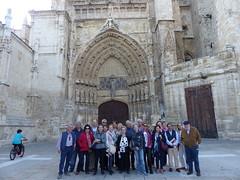 "Viaje cultural a Palencia. En la puerta de la Catedral de Palencia • <a style=""font-size:0.8em;"" href=""http://www.flickr.com/photos/85451274@N03/42317762021/"" target=""_blank"">View on Flickr</a>"