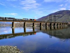 1280px-North_Thompson_River (Traveloscopy) Tags: rockymountaineer travel pr railway rail train