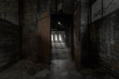 Zurück zur Arbeit (Blacklight Fotografie) Tags: tür sonne arbeit work urbex hdr verlassen verfallen lost decay abandoned licht lichtstrahlen industrie industry