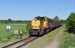 DB Cargo 6461, Leusden, 8-5-2018 11:07 (Derquinho) Tags: db cargo 6461 amfpon amersfoort pon leusden dbc schenker 6400 64 importer importeur volkswagen audi seat groene zoom overweg geel grijs geelgrijs mak railion