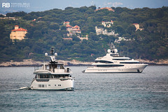 Jetsetter - 39m - Dynamiq & Sea Walk - 62m - Oceanco (Raphaël Belly Photography) Tags: rb raphaël monaco raphael belly photographie photography yacht boat bateau superyacht my yachts ship ships vessel vessels sea motor mer m meters meter jetsetter dynamiq 39m 39 blanc white bianco walk 62m 62 oceanco
