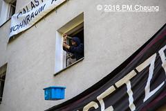 Hausbesetzung: Bornsdorfer Straße 37b (Borni) in Neukölln – Berlin – 20.05.2018 - IMG_3797 (PM Cheung) Tags: hausbesetzung borni neukölln besetzenberlin besetzen 20052018 gentrifizierung polizei nordneukölln bornsdorferstrase37b wohnungsbauunternehmenstadtundland stadtundland ingomalter stadtentwicklungssenatorinkatrinlompscher finanzsenatormatthiaskollatzahnen solidaritätsdemonstration deutschewohnen degewo berlin demonstration mieterprotest lärmdemo reichenbergerstrase114 kreuzberg steigendemieten verdrängung protest protestfotografie zwangsräumungstoppen pomengcheung bezahlbaremiete vertreibung wohnungspolitik mengcheungpo facebookcompmcheungphotography m99 friedel54 mieterhöhungen odeneckestubenfinowstrase eckefinow peter16 arndt13 funkwerk bootsschuppen kms145 reiche114 berlinerlinie räumung hausräumung karnevalderbesetzungen