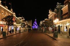 Main Street U.S.A. and Sleeping Beauty's Castle (Somewhere, Lost) Tags: france paris disneyland disneylandparis discoveryland adventureland frontierland fantasyland night nightphotography